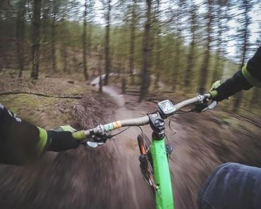 mountain-biking-1210066_640
